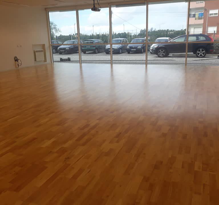 pavimento desportivo de madeira dança sobre inov4sports